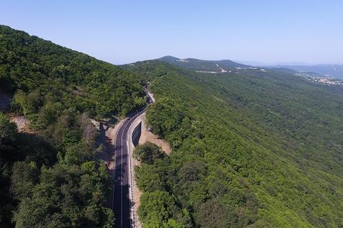Открыто движение на участке автодорог Цхнети-Самадло и Цхнети-Ахалдаба около г. Тбилиси (Грузия)