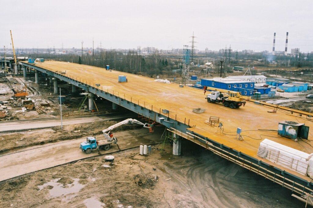 Путепровод возле железнодорожной станции Ручьи
